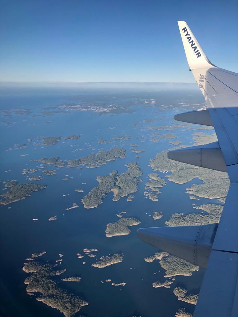 samolot lecący z Polski do Hiszpanii